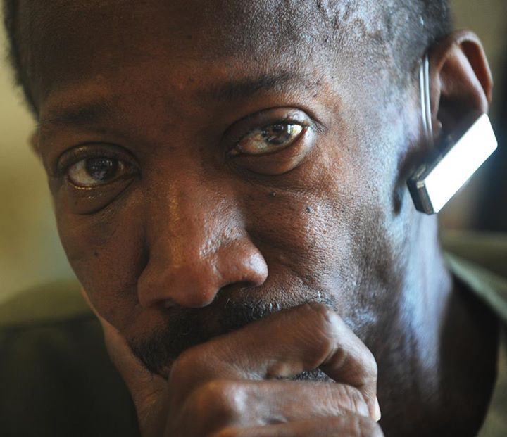 Le photographe tony b lizaire d c d d un cancer de la gorge for Hopital canape vert haiti