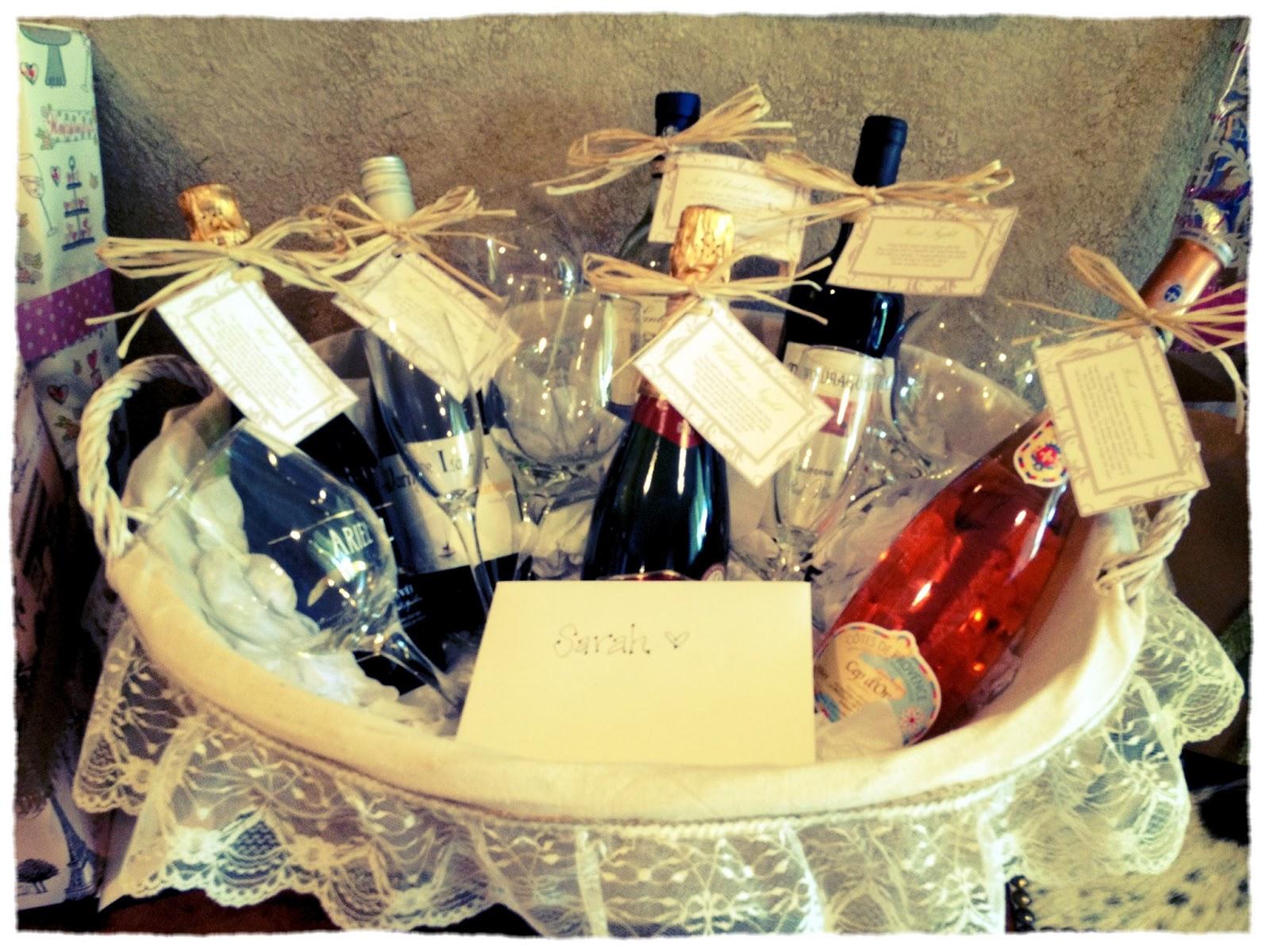 Diy Bridal Shower Gift Basket : Diy Wedding Gift Baskets Its a wine gift basket with