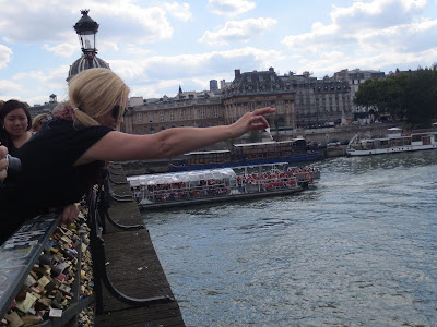 Bucket List: padlock the Pont Des Arts and throw the key in the Seine River, Paris, France www.thebrighterwriter.blogspot.com