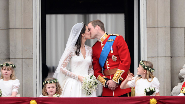 A Royal Kiss on the balcony