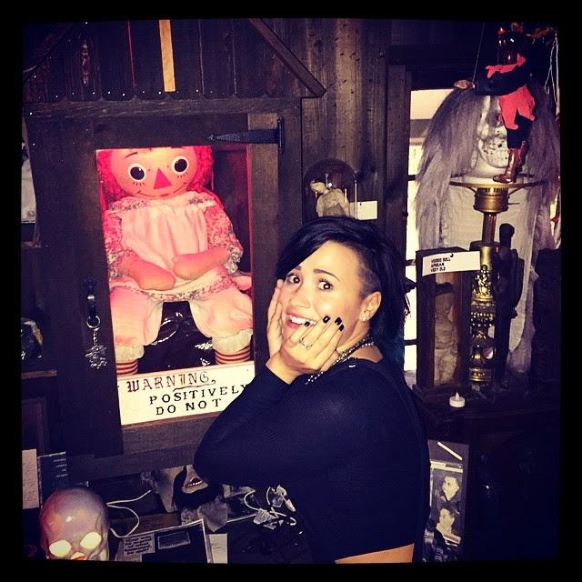 Raggedy Ann (Annabelle) y Demi Lovato