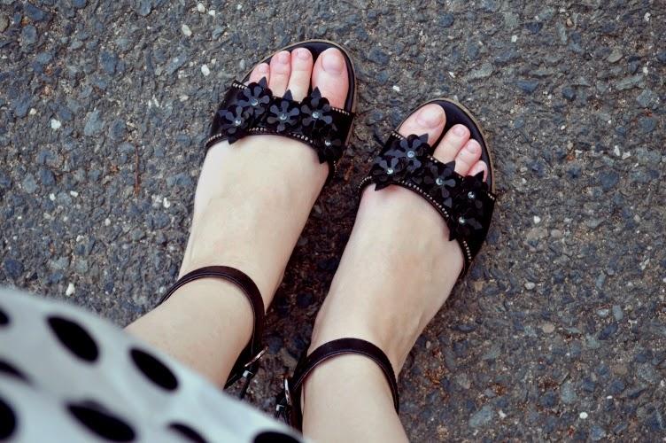 sandals, Deichmann, pain, blister