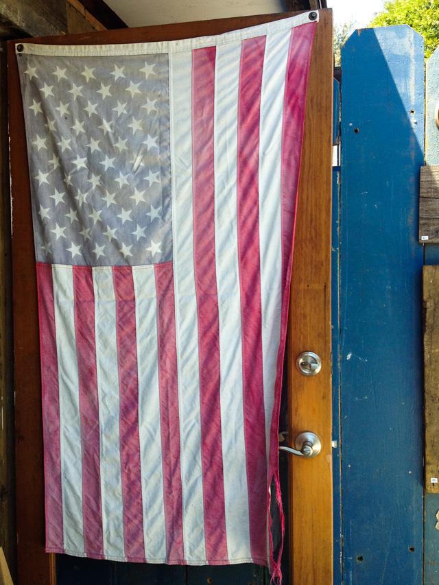 vintage American flag | MamaBleu.com