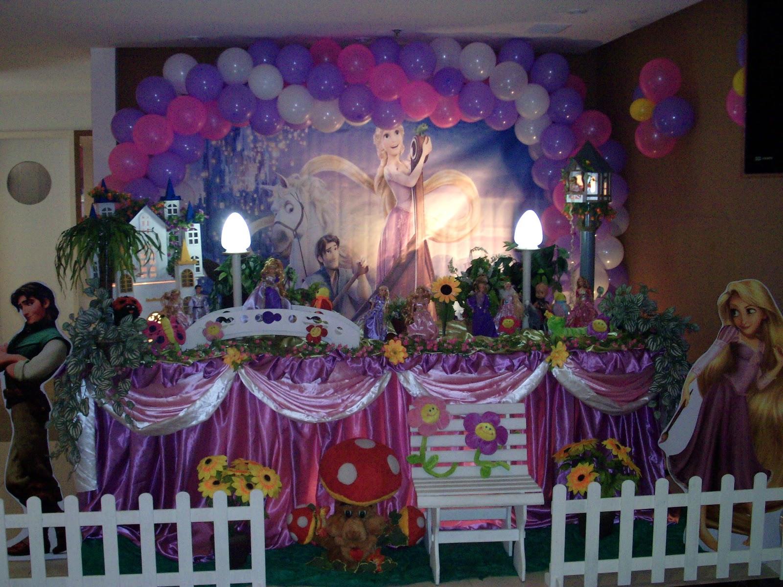 decoração de mesa de aniversário  Os Enrolados  festa Barra fa