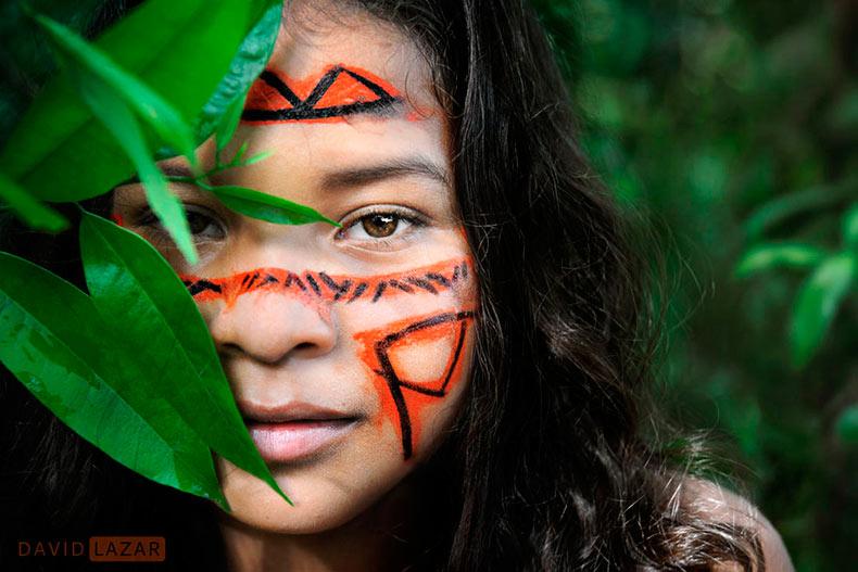 Las sorprendentes retratos de la tribu amazónica Dessana por David Lazar
