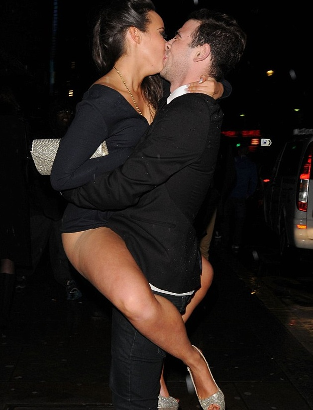 hot pic stephanie davies wardrobe malfunction after going