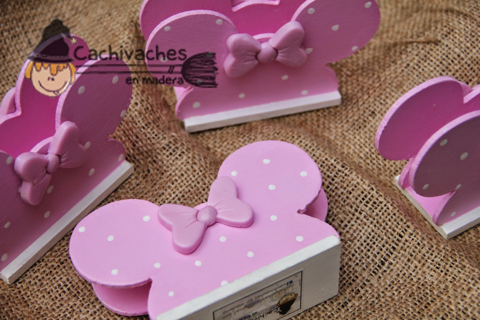 Cachivaches En Madera Mickey Y Minnie Servilleteros