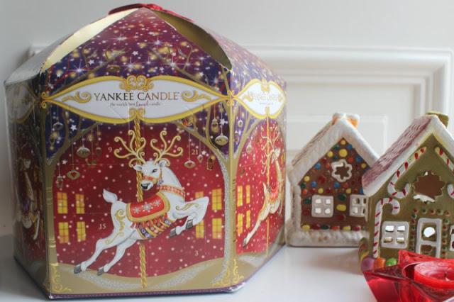 Yankee Advent Carousel 2015