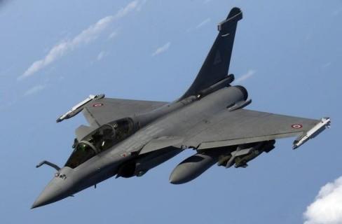 Perancis Bombardir ISIS di Suriah