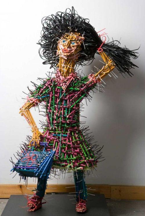 Federico Uribe esculturas lápis Filha