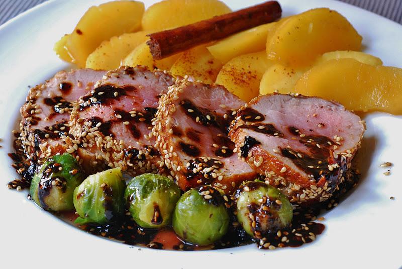 Solomillo al oporto con manzanas cuchillito y tenedor - Salsa de oporto para solomillo ...