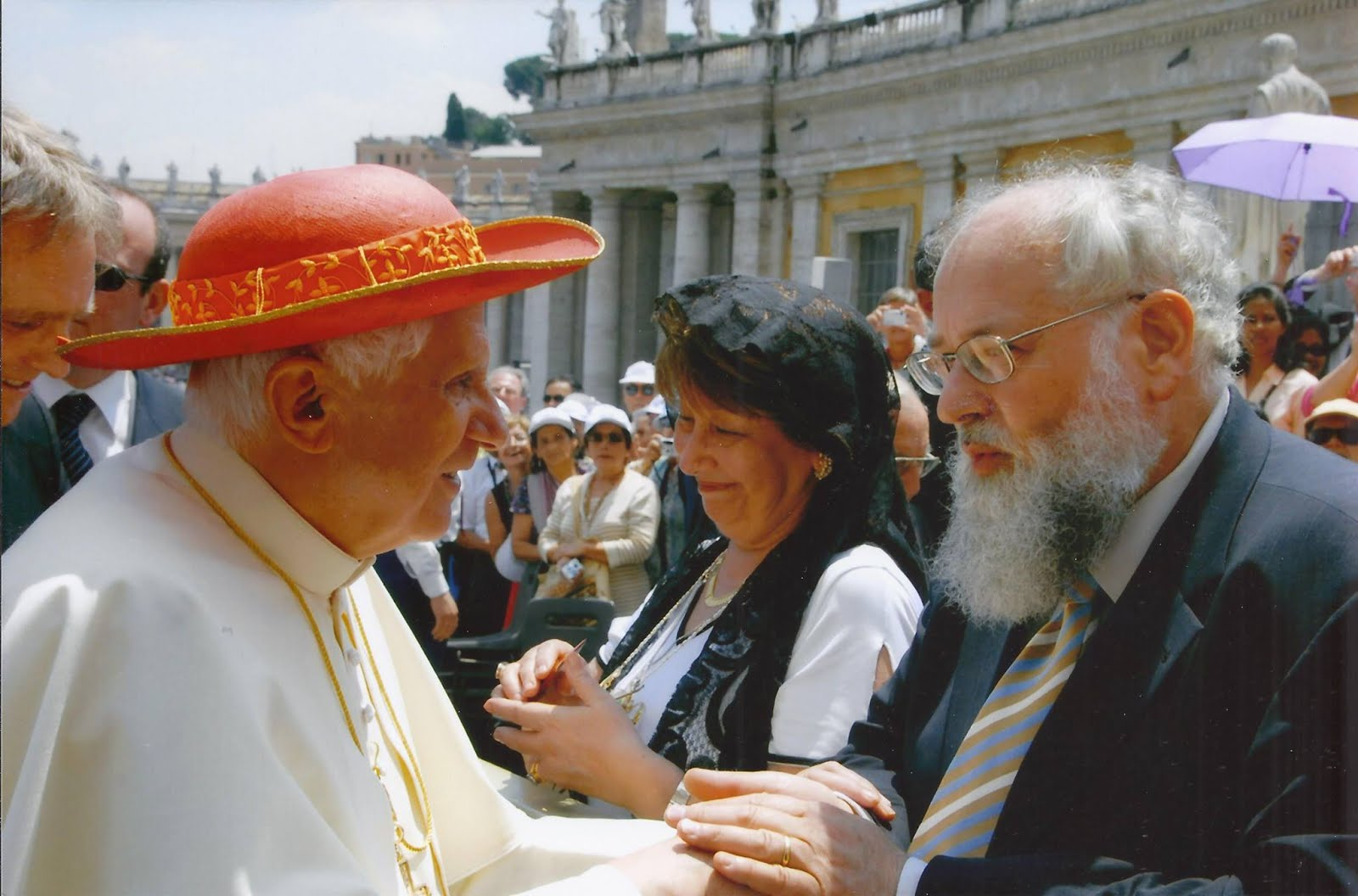Jack Oostveen talks to Pope Benedict
