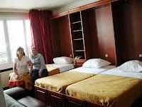 Habitación Hotel Residence St James,Ginebra, Suiza, Hotel Residence St James,Geneva, Switzerland, Hotel Residence St James, Genève, Suisse, vuelta al mundo, round the world, La vuelta al mundo de Asun y Ricardo