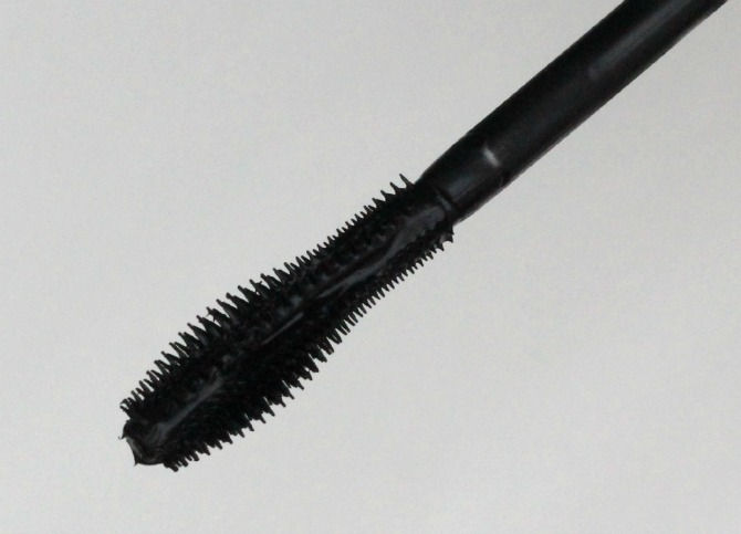 GOSH No Limits Mascara wand
