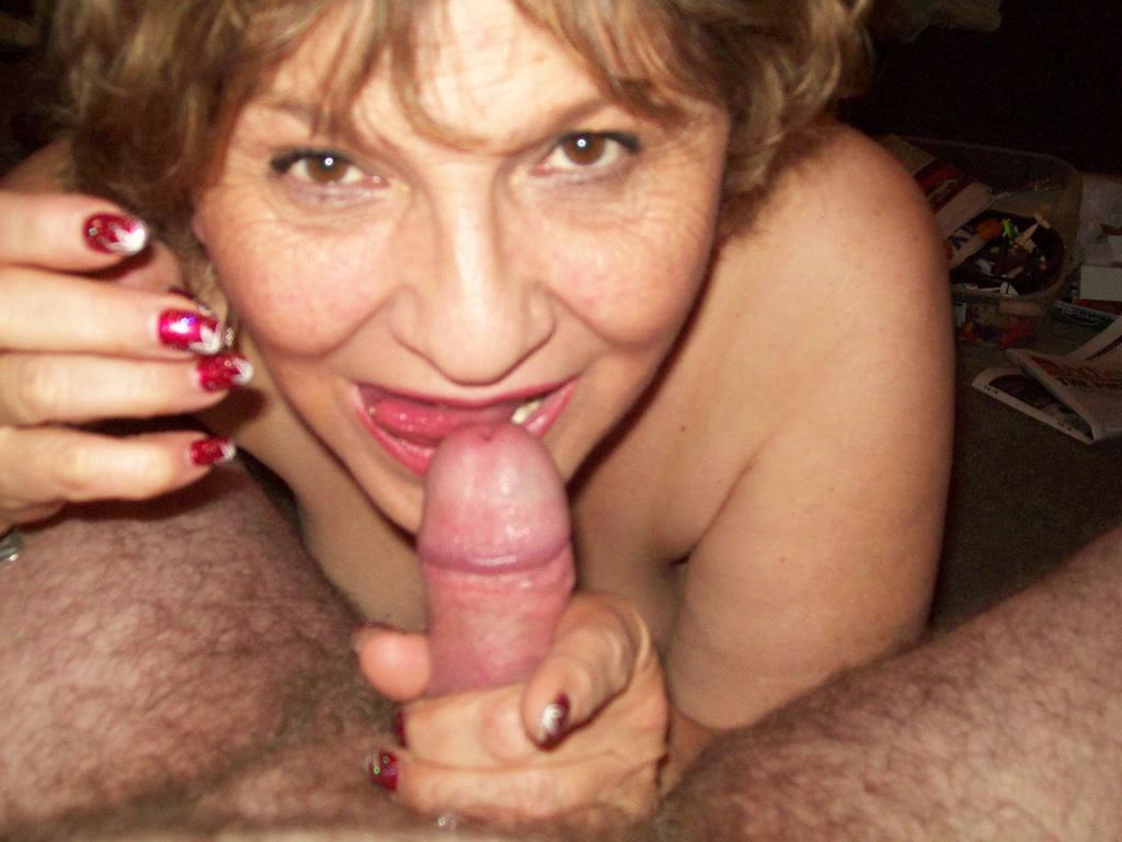 Cachonda abuela nieto sexo