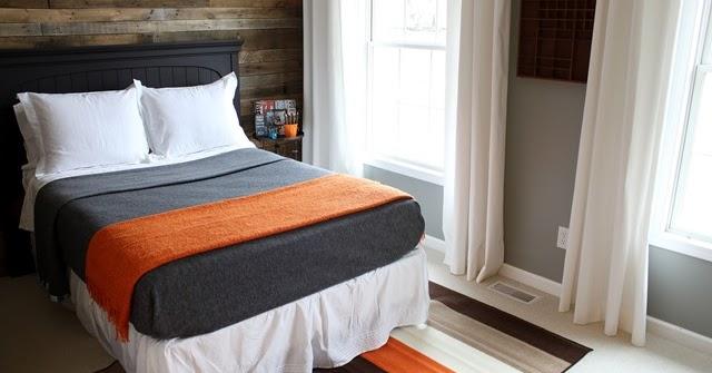 Revestir la pared de una habitaci n for Listones de madera para palets