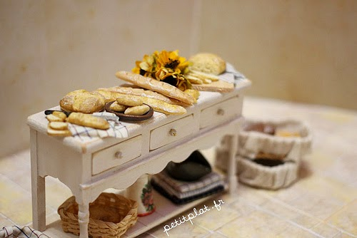 19-Stéphanie-Kilgast-Incredible-Miniature-Foods-Savoury-Sweet-Dishes-Dolls-House-www-designstack-co