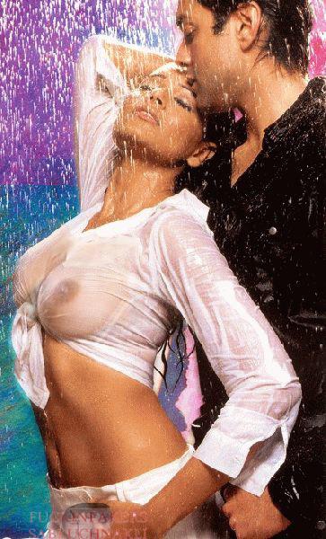 Aria Giovanni Nude Shower