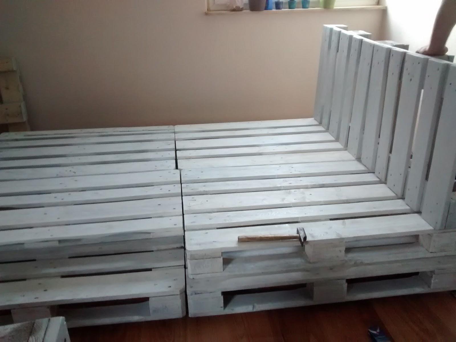 das endergebnis diypalettenbett. Black Bedroom Furniture Sets. Home Design Ideas