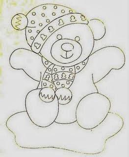 desenho de um  ursinho  com toca e cachecol para pintar