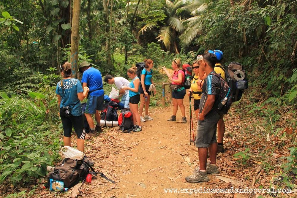 O grupo de 10 pessoas da Maitaca Ecoturismo, Travessia da Joatinga