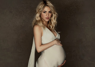 ALL HOLLYWOOD CELEBRITIES: Shakira New Pregnant Photographs 2013
