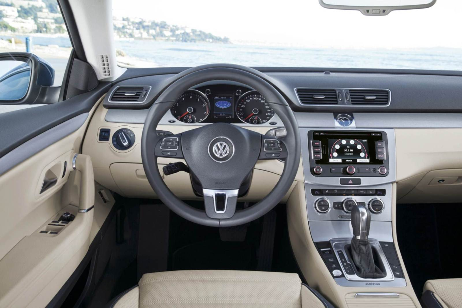 volkswagen cc e touareg ficam mais baratos car blog br. Black Bedroom Furniture Sets. Home Design Ideas