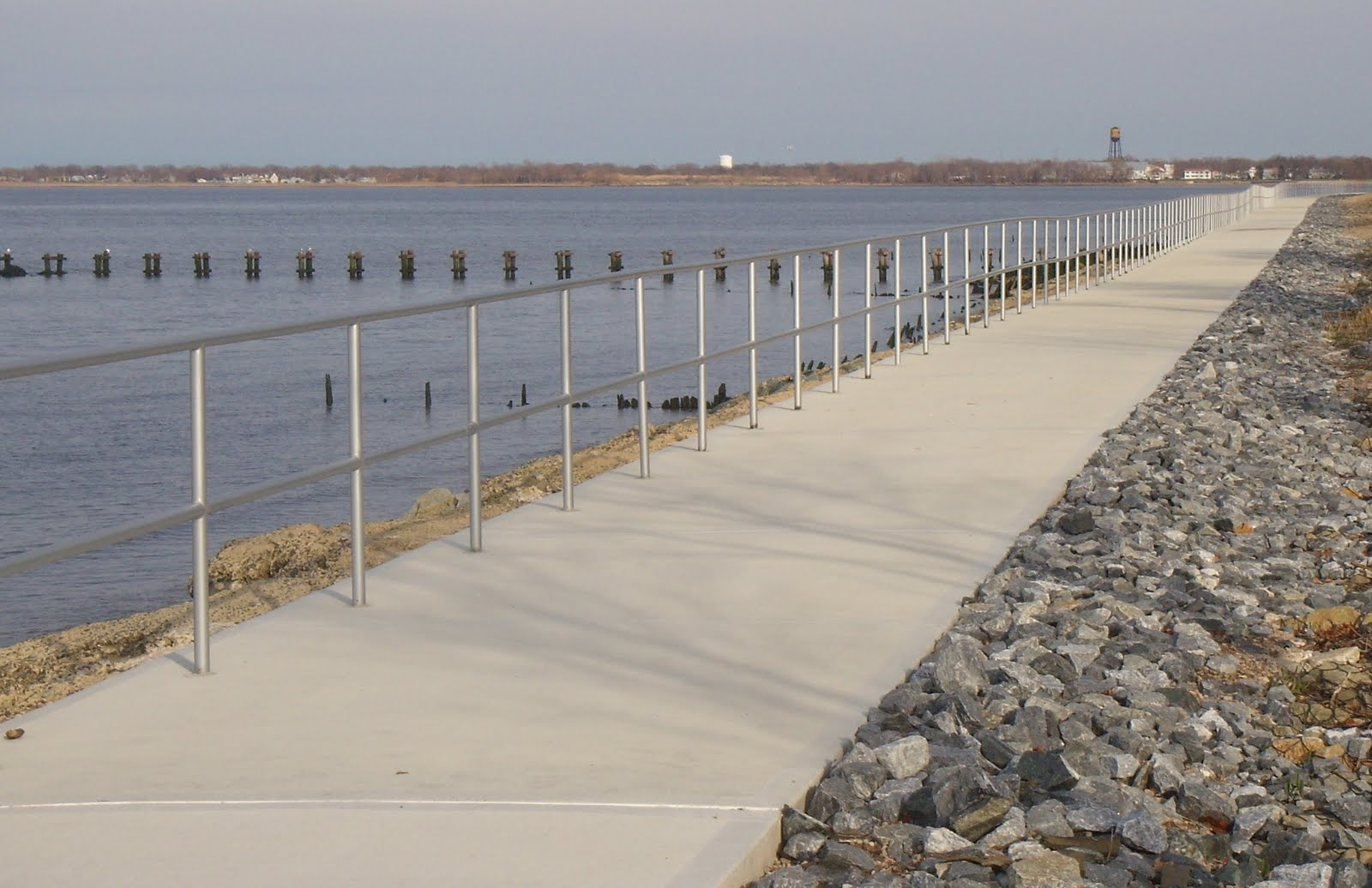 Aberdeen NJ Life: Cliffwood Beach Seawall Walk Gets Railing (andaberdeen township