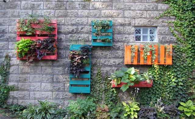 jardin vertical con material reciclado: palet