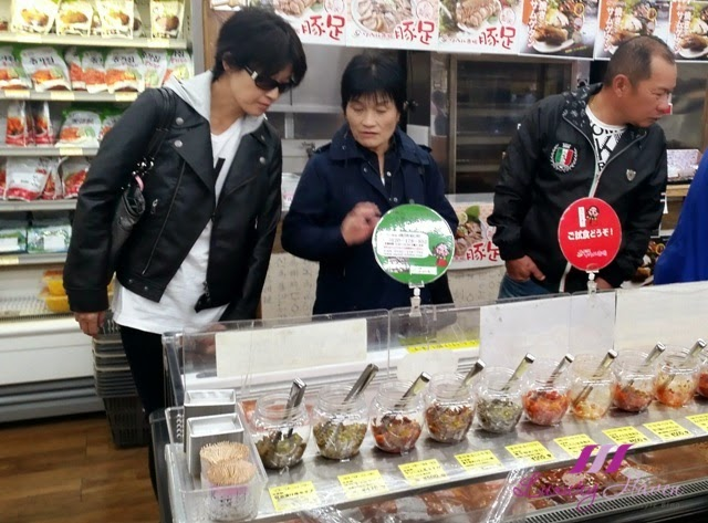 shin okubo korea town kimchi tasting