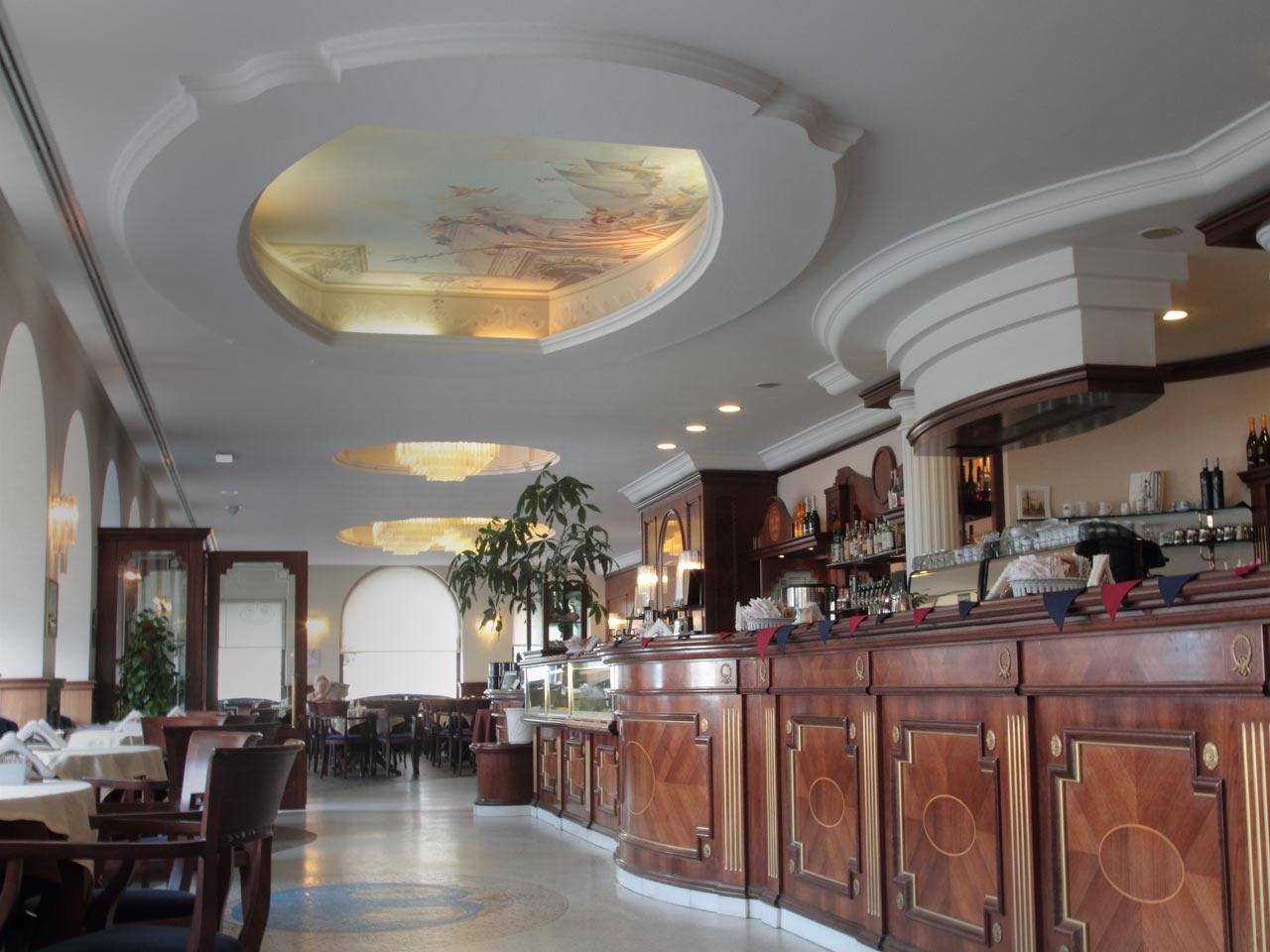 Gutegutegute historische kaffeeh user von triest - Caffe degli specchi ...