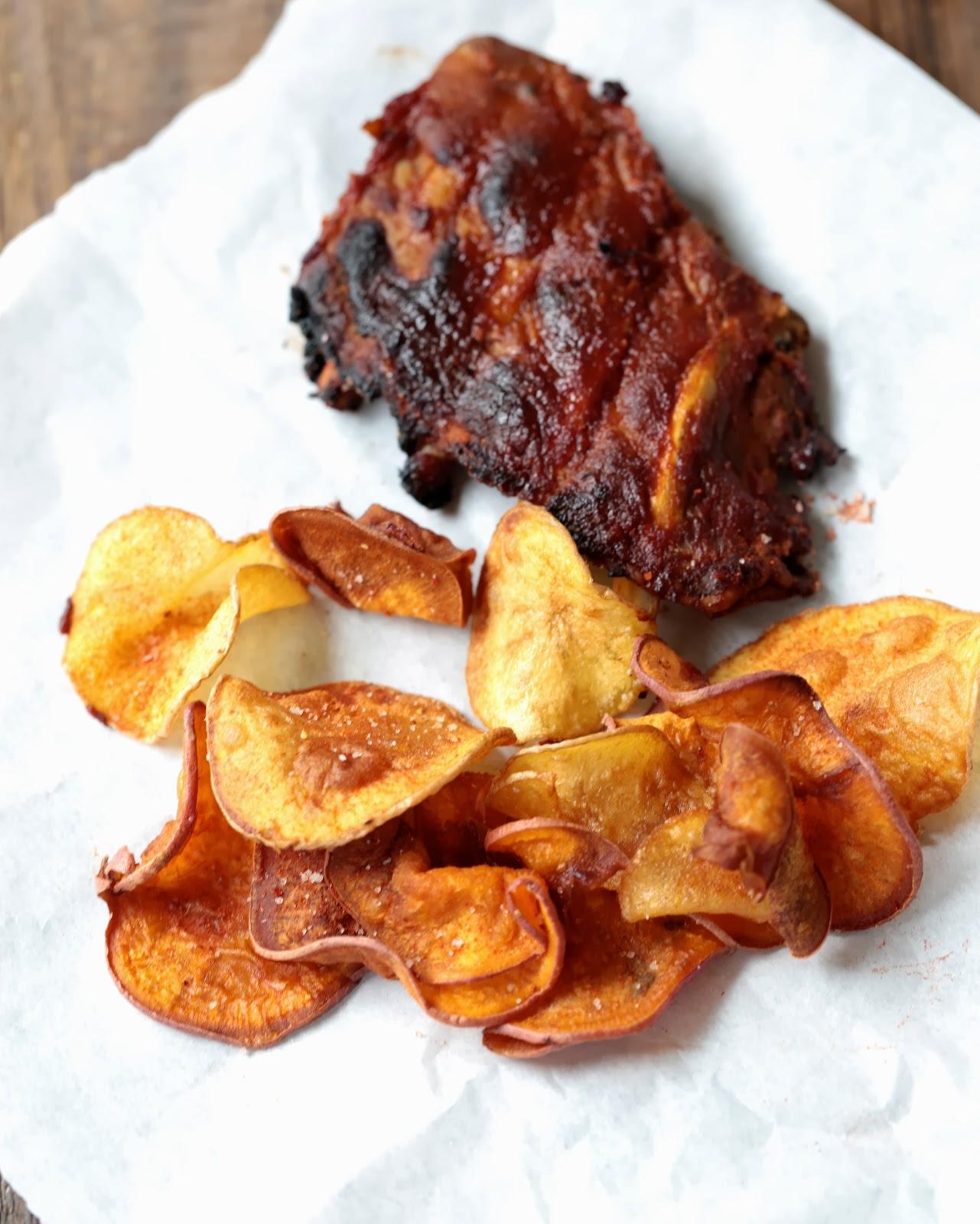 Travers de porc bbq  et chips de patates douces recette de Donna Hay