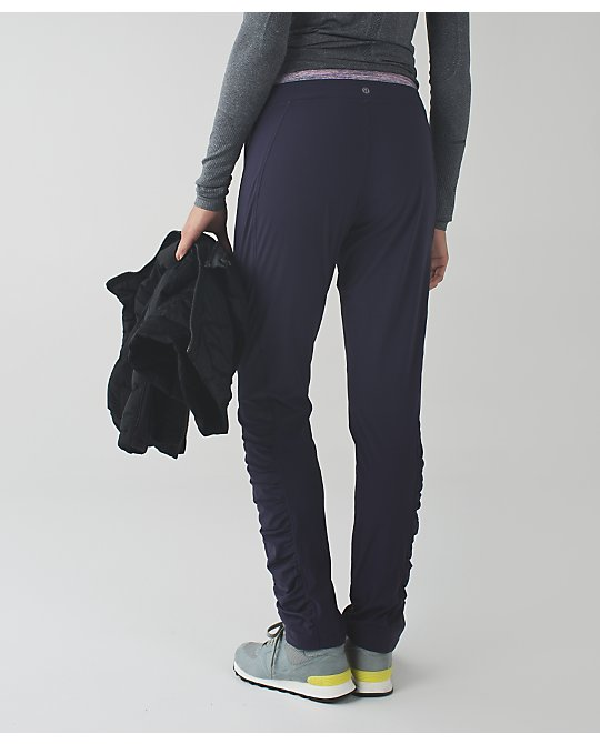 lululemon runderful-pant black-grape