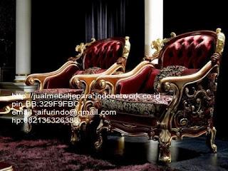 sofa klasik ukiran jepara,sofa klasik jepara Mebel furniture klasik jepara jual set sofa tamu ukir sofa tamu jati sofa tamu antik sofa jepara sofa tamu duco jepara furniture jati klasik jepara SFTM-33090