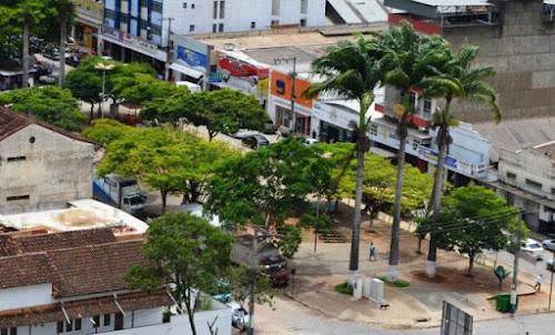 MANHUAÇU / MINAS GERAIS / BRASIL - Rodeada por belezas naturais como o Pico da bandeira, belíssimas paisagens como as plantações de café, além de cons