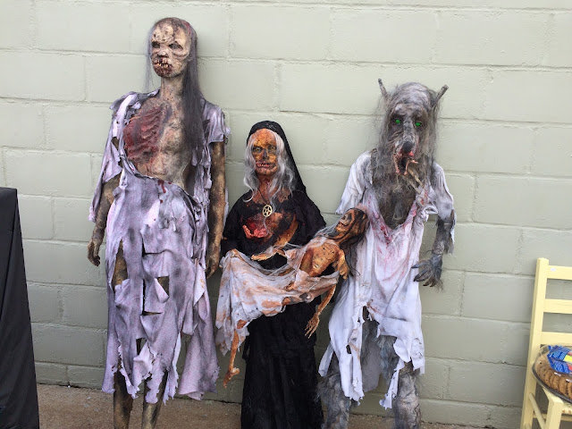 Halloween Zombie Family Mannequins