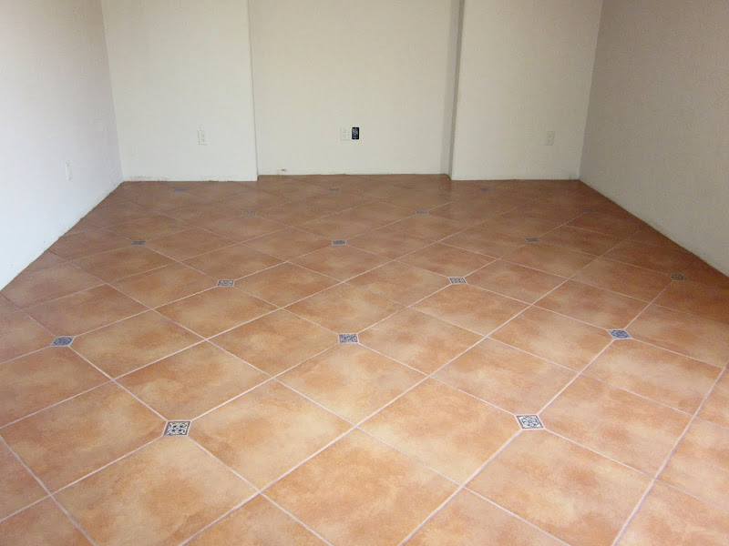 Custom Tile Showers, Bathroom Design, Renovations & Flooring title=