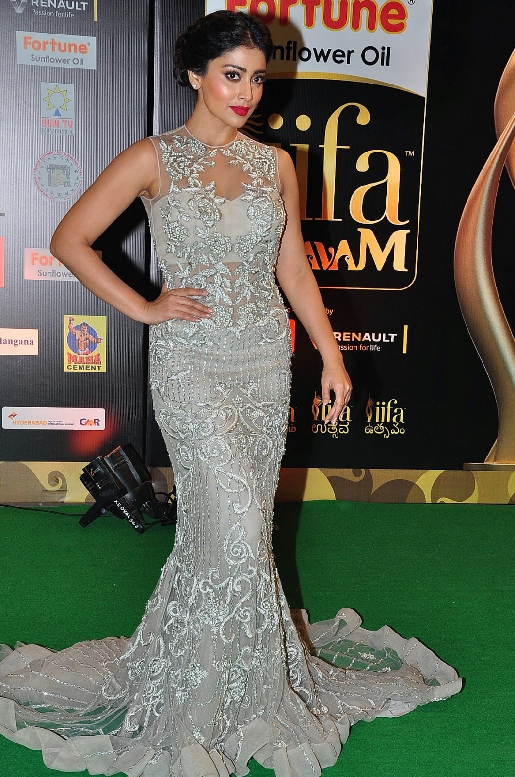 Shriya Saran Displays Her Sexy Figure In a Figure Hugging Dress At IIFA Utsavam Awards ❤ Day 2 ❤ ❤  ❤