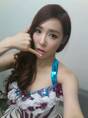 SNSD TIFFANY SELCA JANUARY 2013