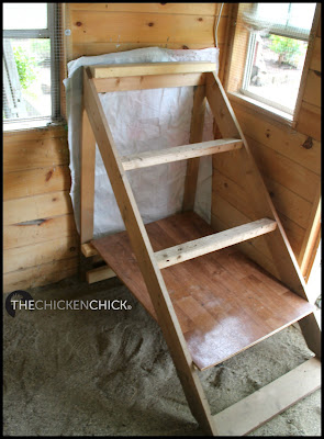 Portable roosts with removable droppings board underneath.