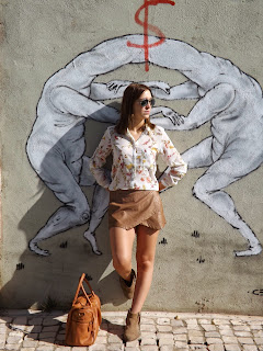 http://conndenoemi.blogspot.com.es/2014/10/flowered-shirt.html
