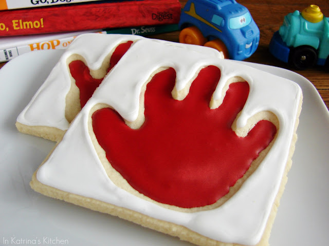 Handprint Cookies from @KatrinasKitchen