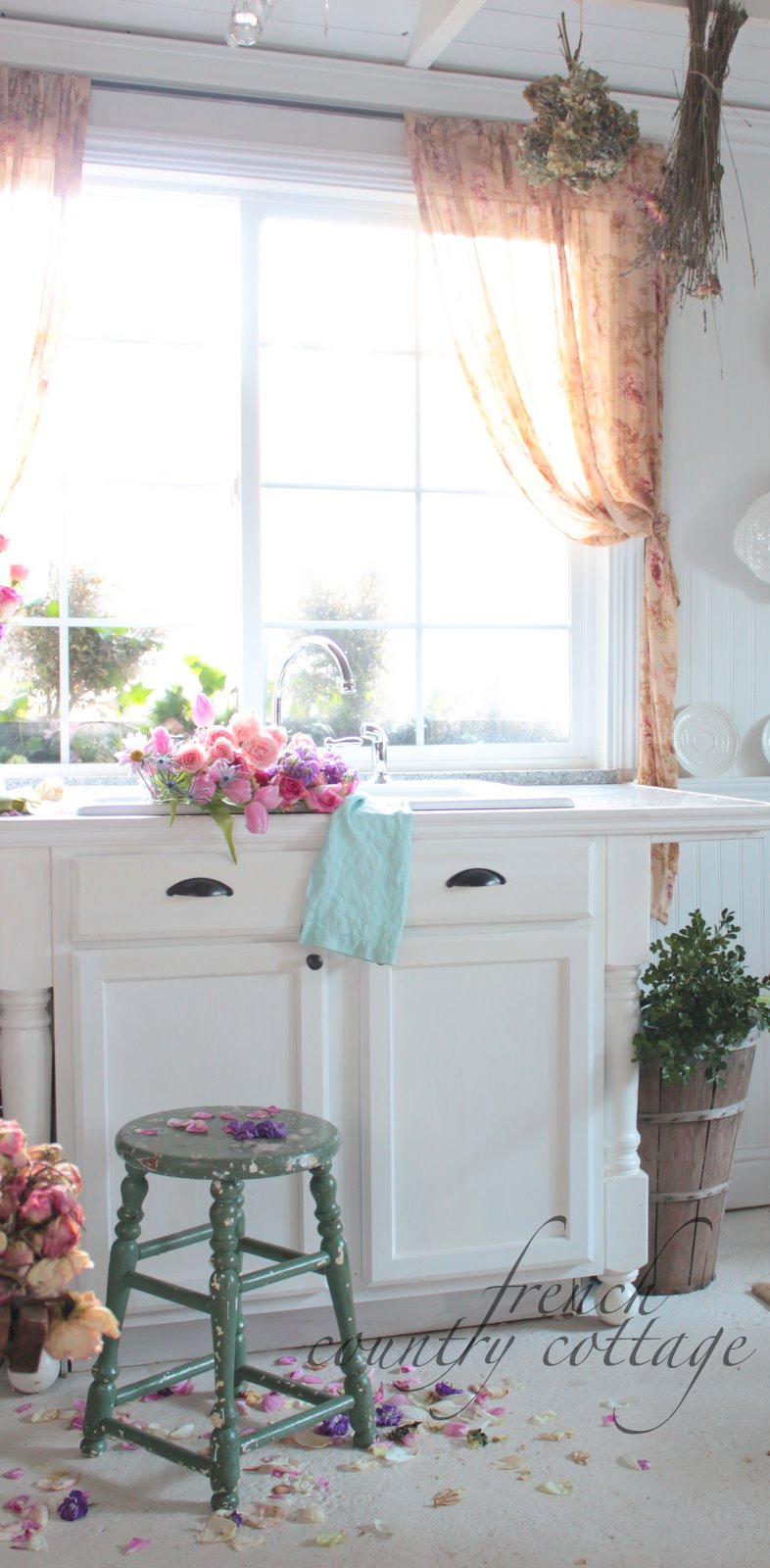 an old painted stool french country cottage. Black Bedroom Furniture Sets. Home Design Ideas