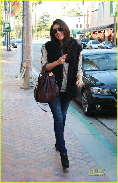 Shay Mitchell Street Style inspiration