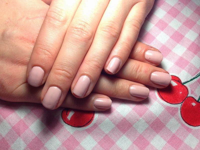 P2 Nagellacke - Nail Foundation Tragebild - www.annitschkasblog.de