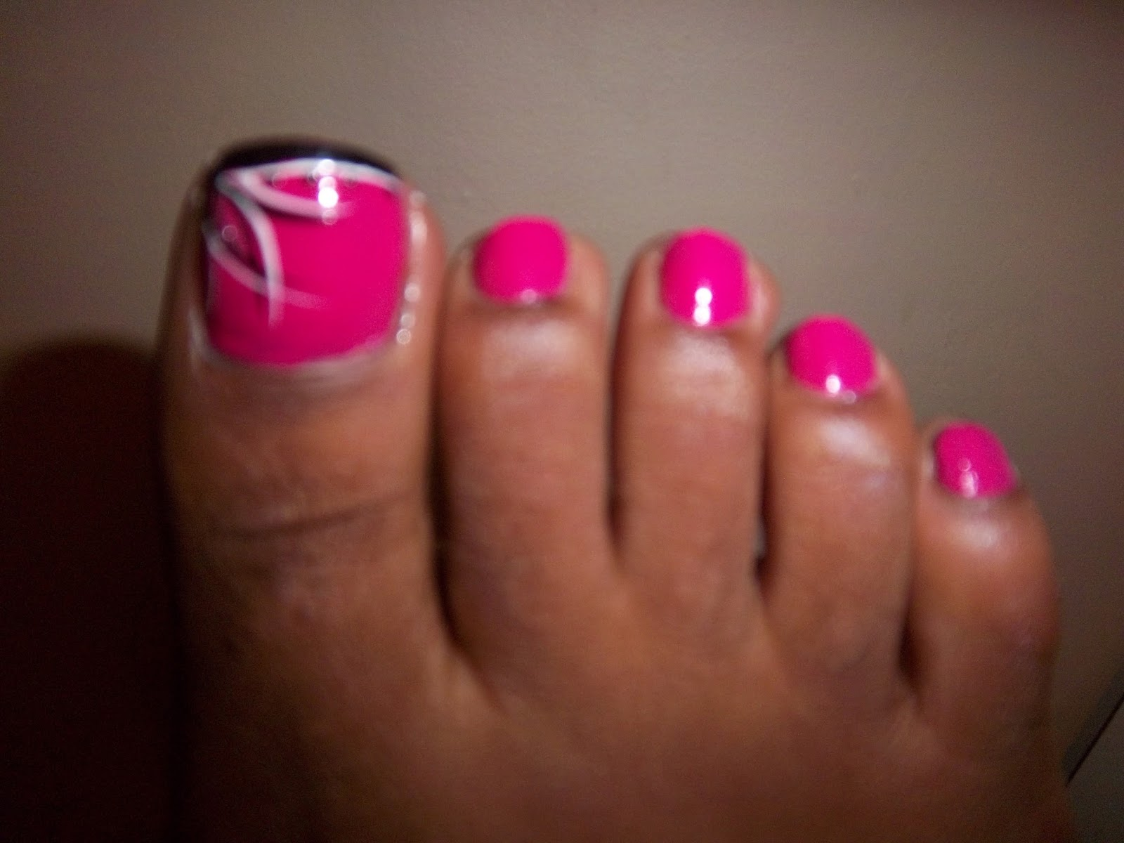 Wymeaka\'s World: How to Pink Toe Nail Art