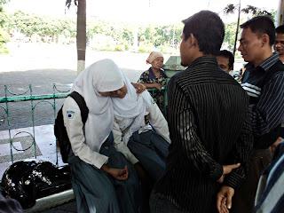 praktik street hypnosis by Indonesian Hypnosis Society