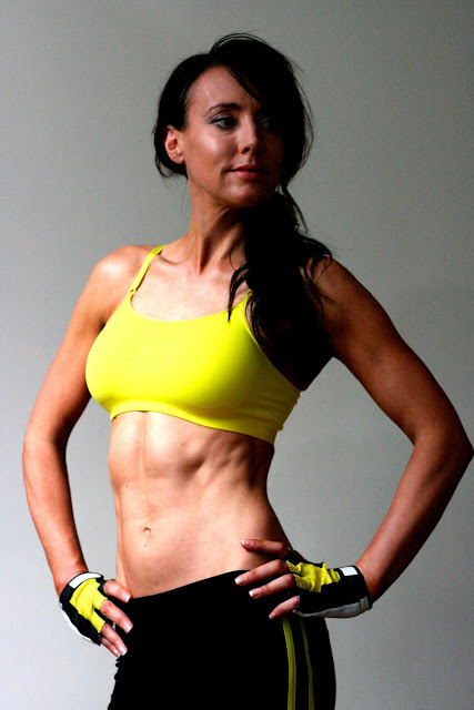 http://www.wagdoll.co.uk/2012/08/the-wag-doll-protocol-insane-ab-workout.html