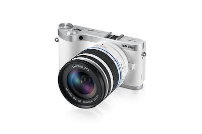 Fotografia della fotocamera mirrorless Samsung NX300