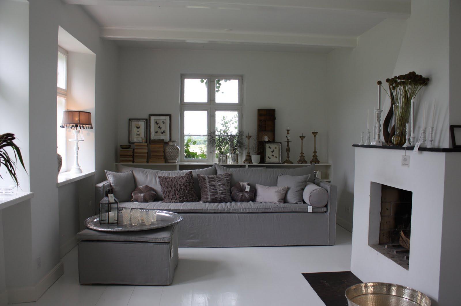 Familjen villa grande: samma rum och 3 möbleringar